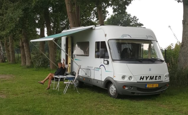 B 584 – On an adventure with a virtually self-supporting Hymer B-584