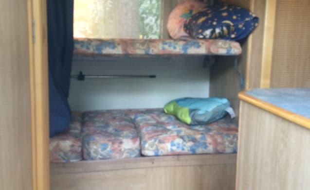 Ducato Granduca 7-persoons – Luxury alcove camper with bunk bed