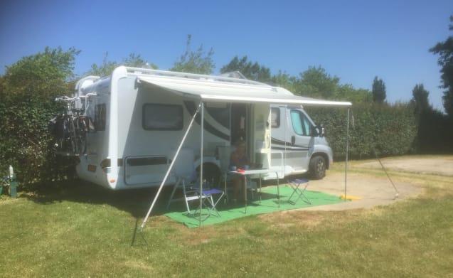 Luxe sportieve camper voorzien van alle gemakken en comfort