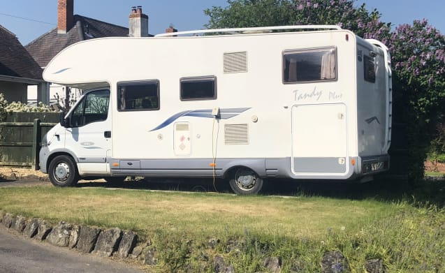 Tandy Mc Louis G3 – Mc Louise Motorhome Tandy 4 berth - does not include insurance