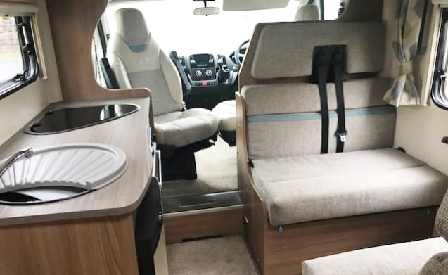 Bailey 1 – 6 Berth, 6 Seatbelts, Bailey Approach Advance 665