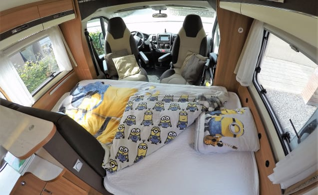 Gemak - zekerheid en vrijheid – Luxury young camper for rent Limburg for active senior and adventurous family