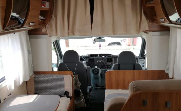 Camper Rimor Katamarano Sound, 1200 cc diesel, EM156NB license plate