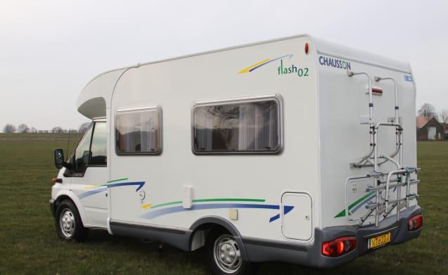 Flash 02 – Compacte camper van 560 lengte met airco Flash 02