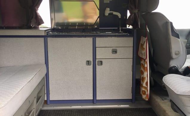 4-person Westfalia bus