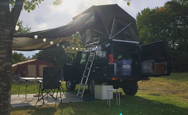 Ted – Land Rover Discovery II Offroad Adventure with Jimba Jimba Roof Tent