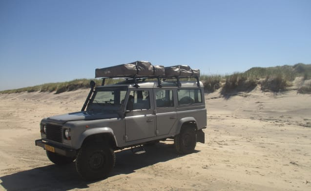 Land Rover Defender 110 con tetto tenda