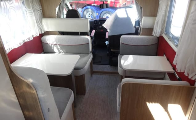 7 Berth Motorhome Hire - UK & Europe
