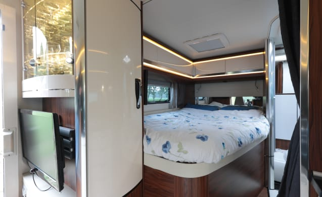 Our white house, a beautiful and extremely complete camper