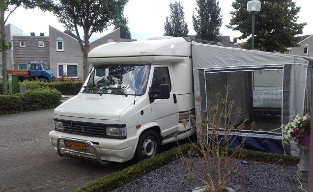 IDEALE camper tot 4pers. ook mogelijk met grote voortent.