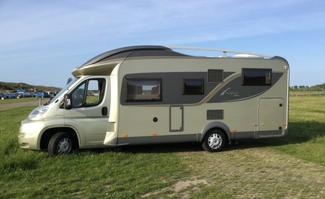 4 person camper with all amenities