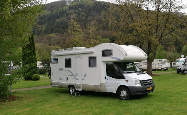 Camper 2 – Very Luxury 7 Person's Alcove Camper from 2008 with 2 Bunk beds. (Camper 2)
