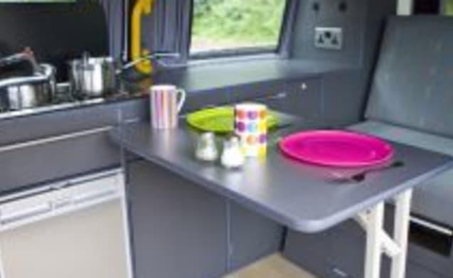 Lady Ga-Gas – VW T5 – Sleeps 4 – Travels 4 (Dublin)