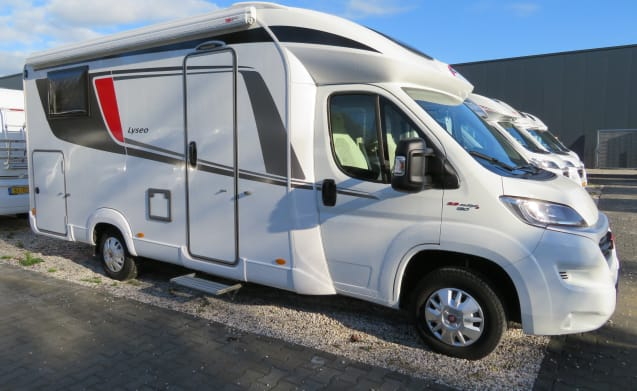 Bürstner Lyseo luxury 2 person camper from 2018