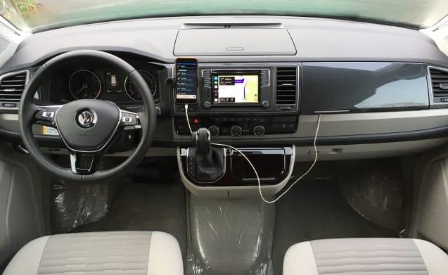 California Bulli – VW California OCEAN T6 Bulli Red & White - full option
