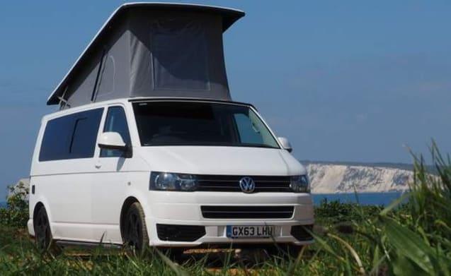 Isla – ISLA - VW T5 Long Wheel Base Campervan