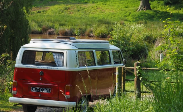 OLIVER - 1972 VW Classic T2 Campervan