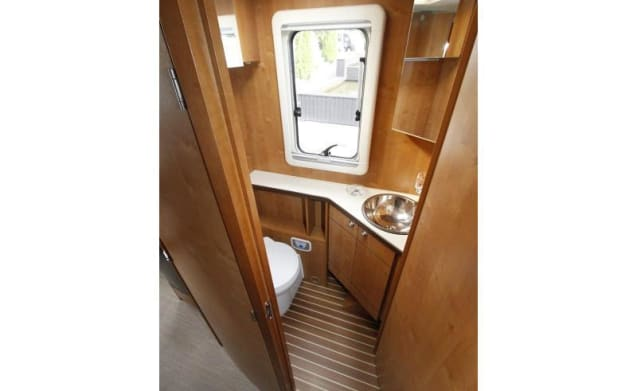 Rapido 7090+ – LUXURY CAMPER FOR 2 PEOPLE, CAREFREE, COMPLETE AND COMFORTABLE ON TRAVEL
