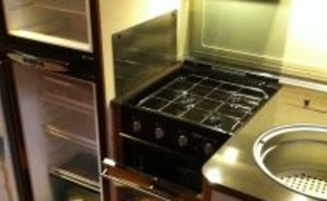 Coral 660SP – Beautiful, luxury (dish, 2xairco, oven), clean, fully equipped