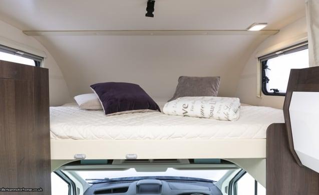 6 berth Ford Zefiro – Ford Zefiro 675 1-6 berth  Motorhome (Liverpool)