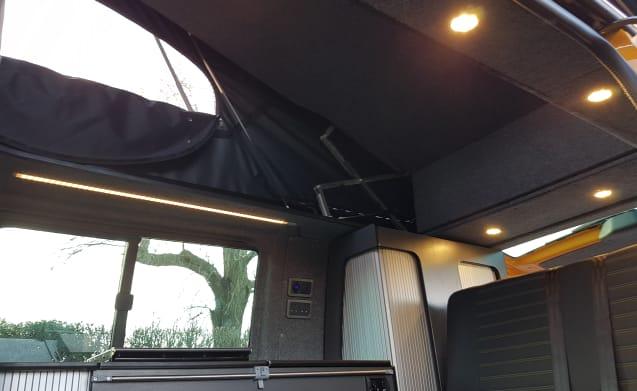 Vw T6 DSG sportline 4 berth campervan