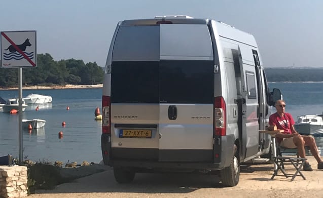 wielmobiel – Compact 2-person touring car for tall people