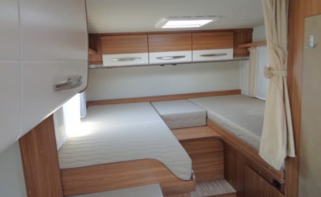 New spacious camper for 3 persons / CSB3