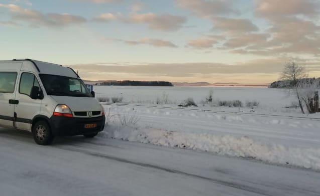 Passie. Stijl. Avontuur. – José: compact comfort with hotel bed (020)