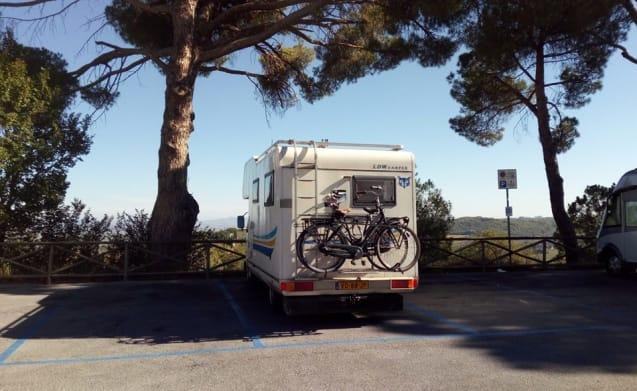 Loyal six wheeler: VW LT35 (1989)