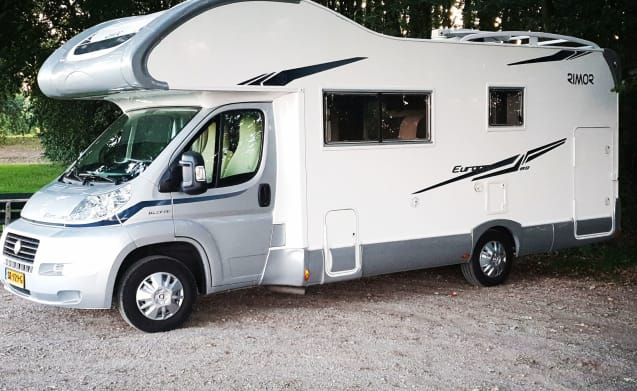 Camper de Vrijheid – We offer you: Camper freedom, for a maximum of 5 people