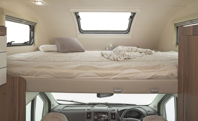 Super Spacious 5 berth  Auto-roller AR746 (automatic)