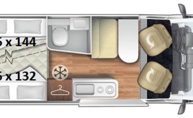 Camperbus Roller Team 4P, lekker compact en toch luxe, douche en WC