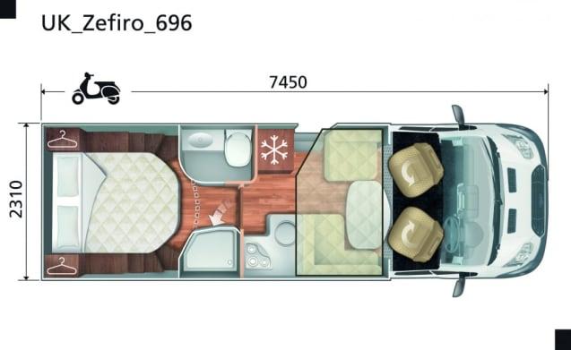 Rollerteam Zefiro 696 Motorhome Luxury Island Motorhome