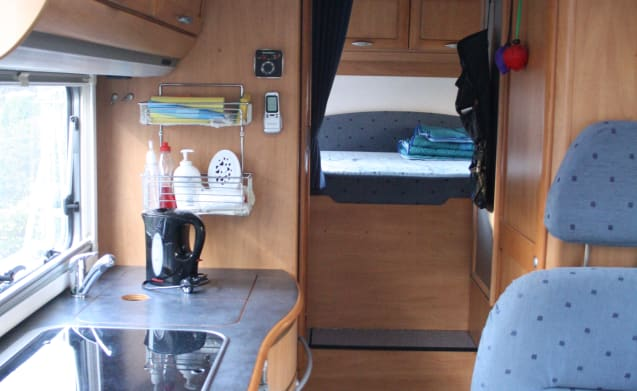 Traveling with a comfortable 3-person Hymer