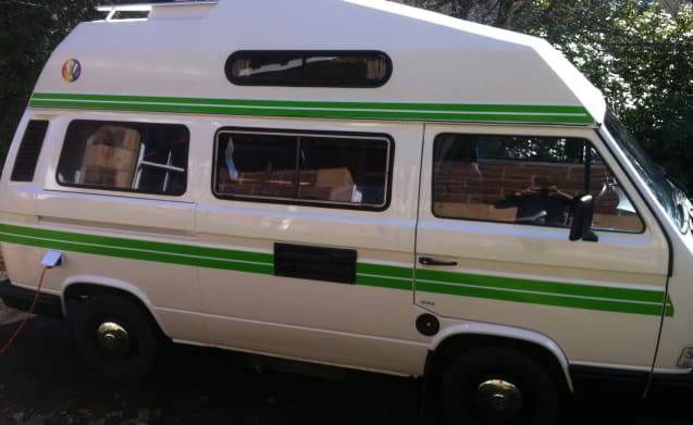 Green Stripe – Classic VW Camper for Hire
