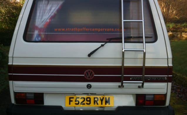 Red Stripe – Classic VW Camper for Hire