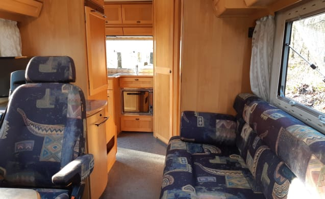 Camper 777 – The ideal camper for 3 people with all luxury on board