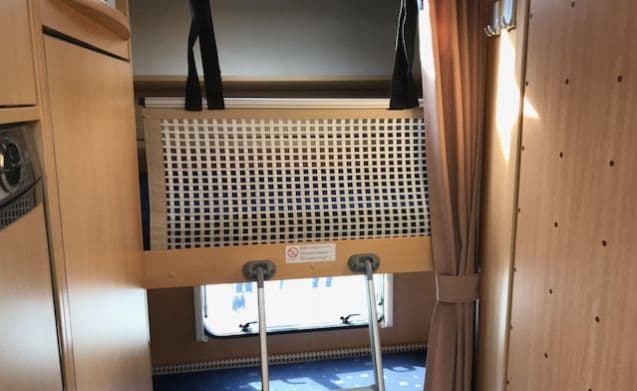 Complete luxury Family camper with bunk bed! (6 people)