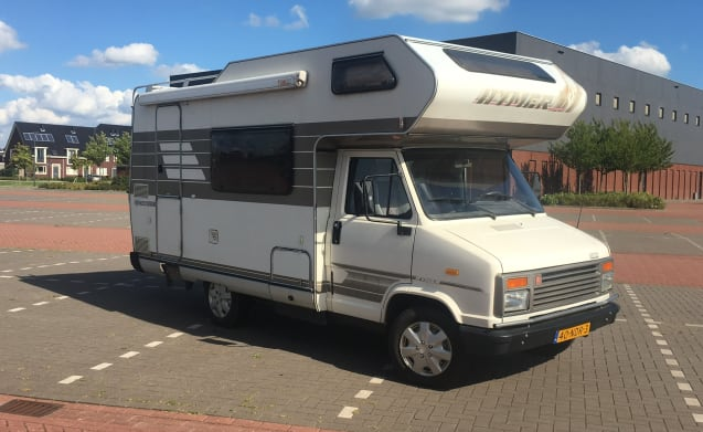 Reuze Camper Hymer – Retro Hymer for the classic motorhome experience!