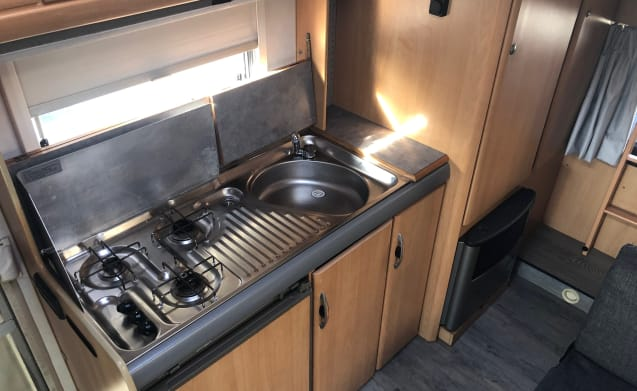 Hymer Swing CS 524 – Neat and complete Hymer camper (6 people) (Vineyards)