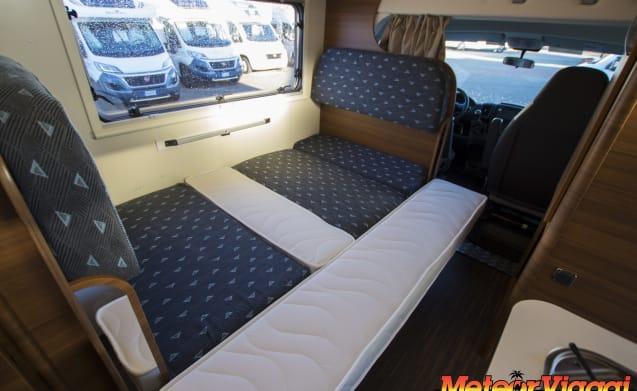Attic 6 Beds Elnagh Baron Garage 26