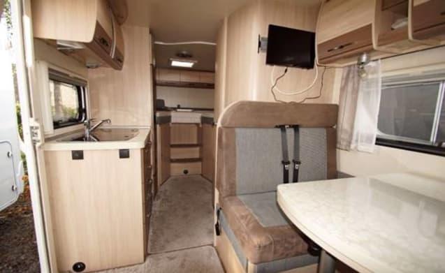 Ultiem vakantieplezier voor 2 personen, voel je vrij in onze luxe camper.