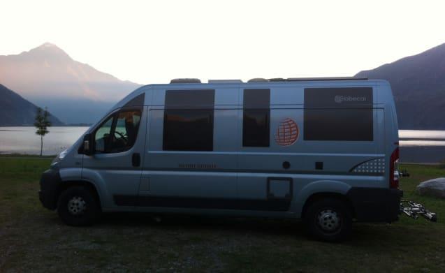 Zierik – Pössl / Globecar .... A sporty and luxurious camper!