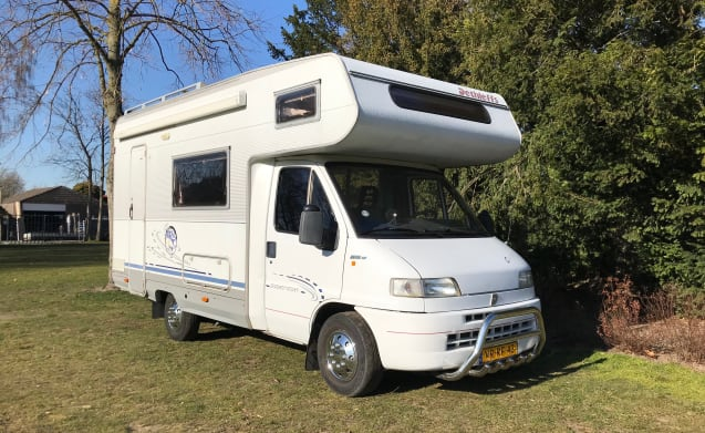Arnold – Packing and getting away with Arnold! Fully equipped adventurous camper!
