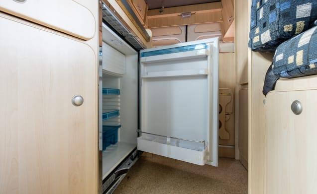 De Klaploper – Luxe 2 persooncamper met ruim vast tweepersoons bed!