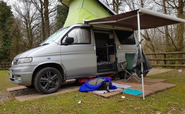 Beautiful Bongo camper with diesel heater!