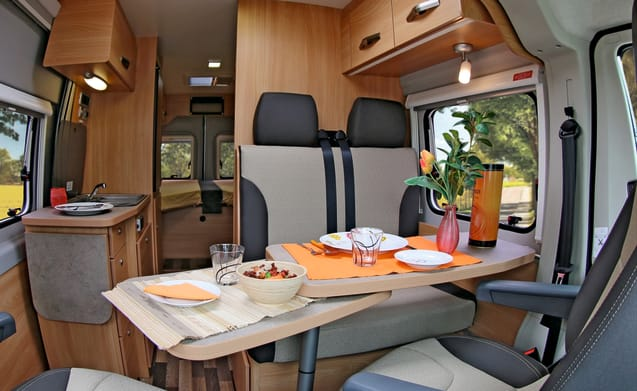Very luxurious bus camper with length beds!