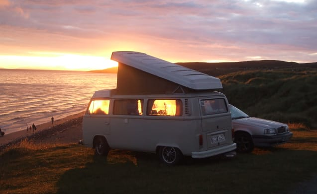 Bessie – VW 1978 Bay Window Camper