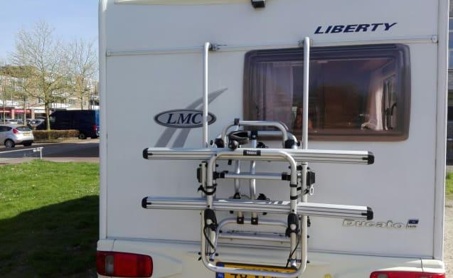 Spacious practical classified motorhome, LMC 662 TI