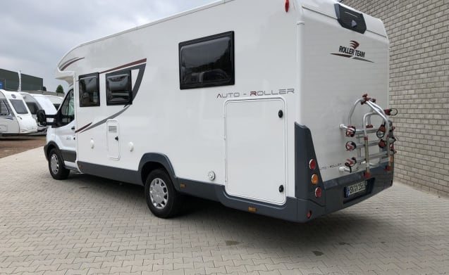 Spazioso e lussuoso ROLLER TEAM AUTO-ROLLER 265 TL